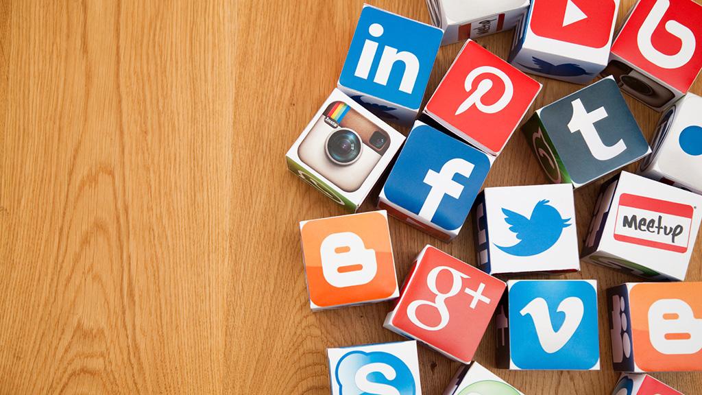 Меня интересует реклама только в социальных сетях (сети) aPortal?